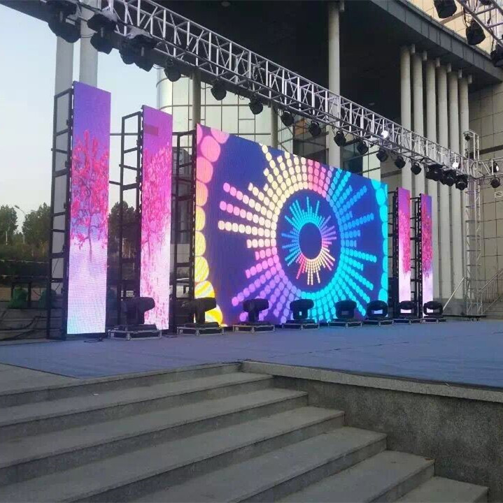 LED Outdoor Video Screen Rentals P3.91 Die-Casting Aluminum Mobile LED Display Screen